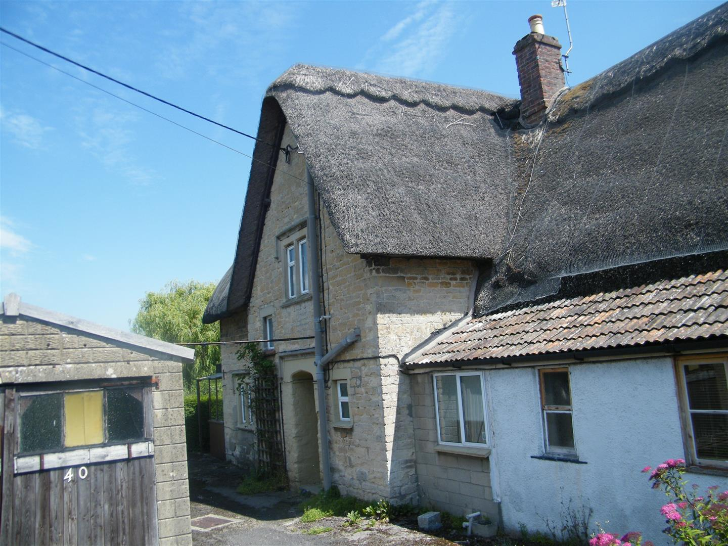 3 Bedrooms Property for sale in Church Road, Hilmarton, Calne
